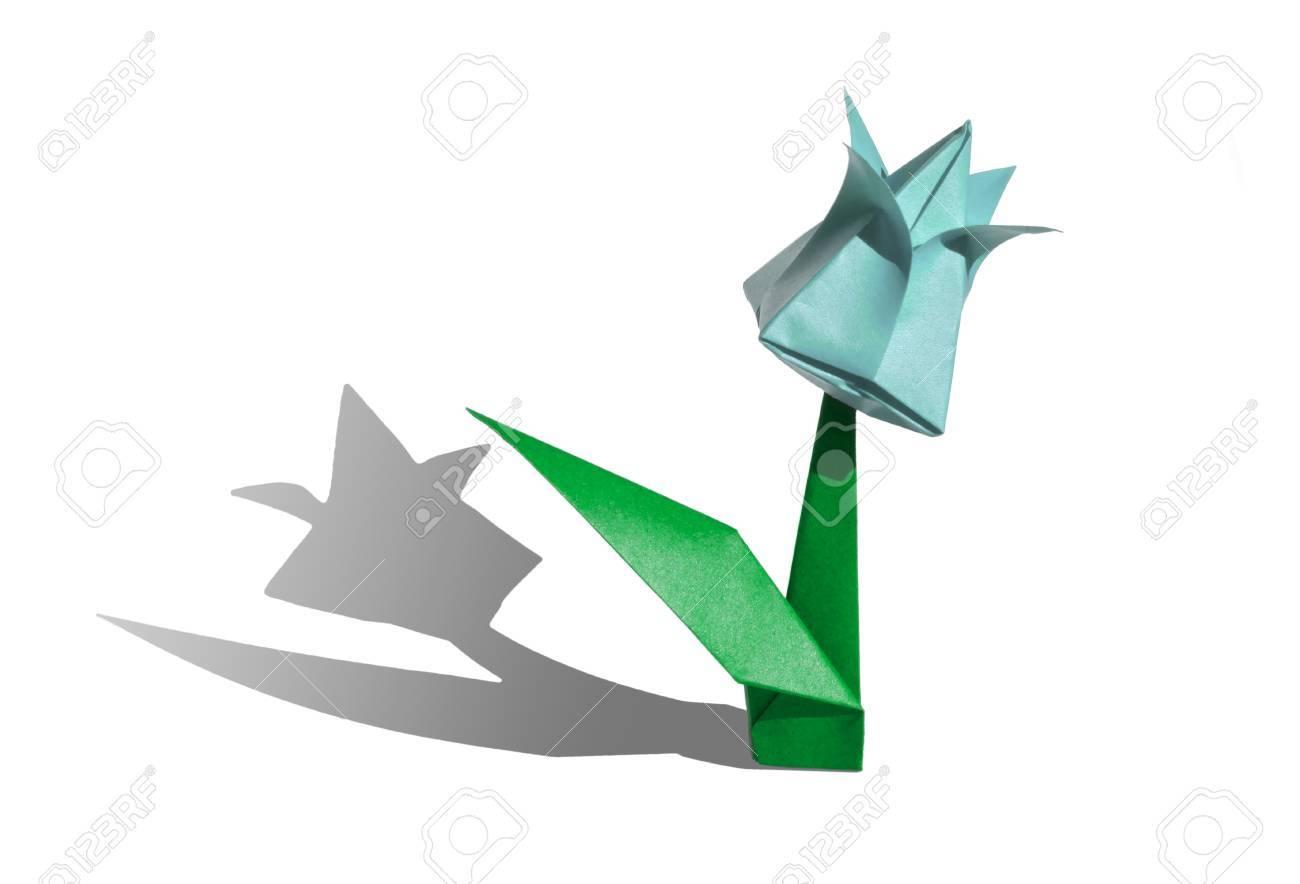 Origami Fleur De Tulipe La Tulipe Est Isole Sur Fond Blanc Et Jette