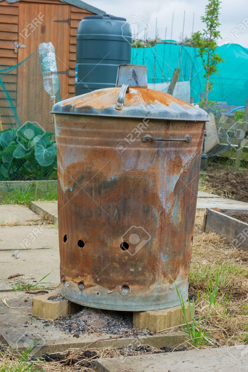incinerateur jardin