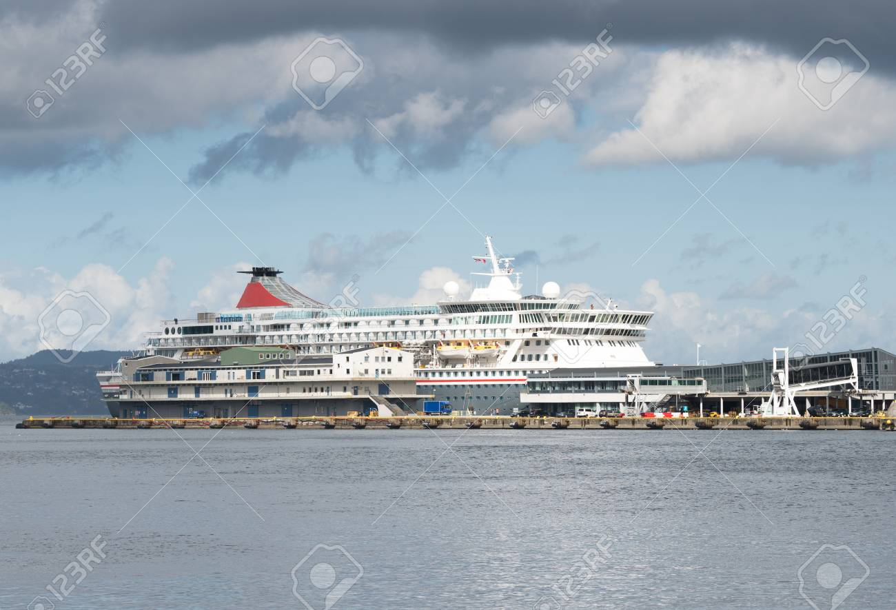 Cruise Ship Sails In Norwegian Sea Fjord Bergen In Summer Norway - Cruise ship norway