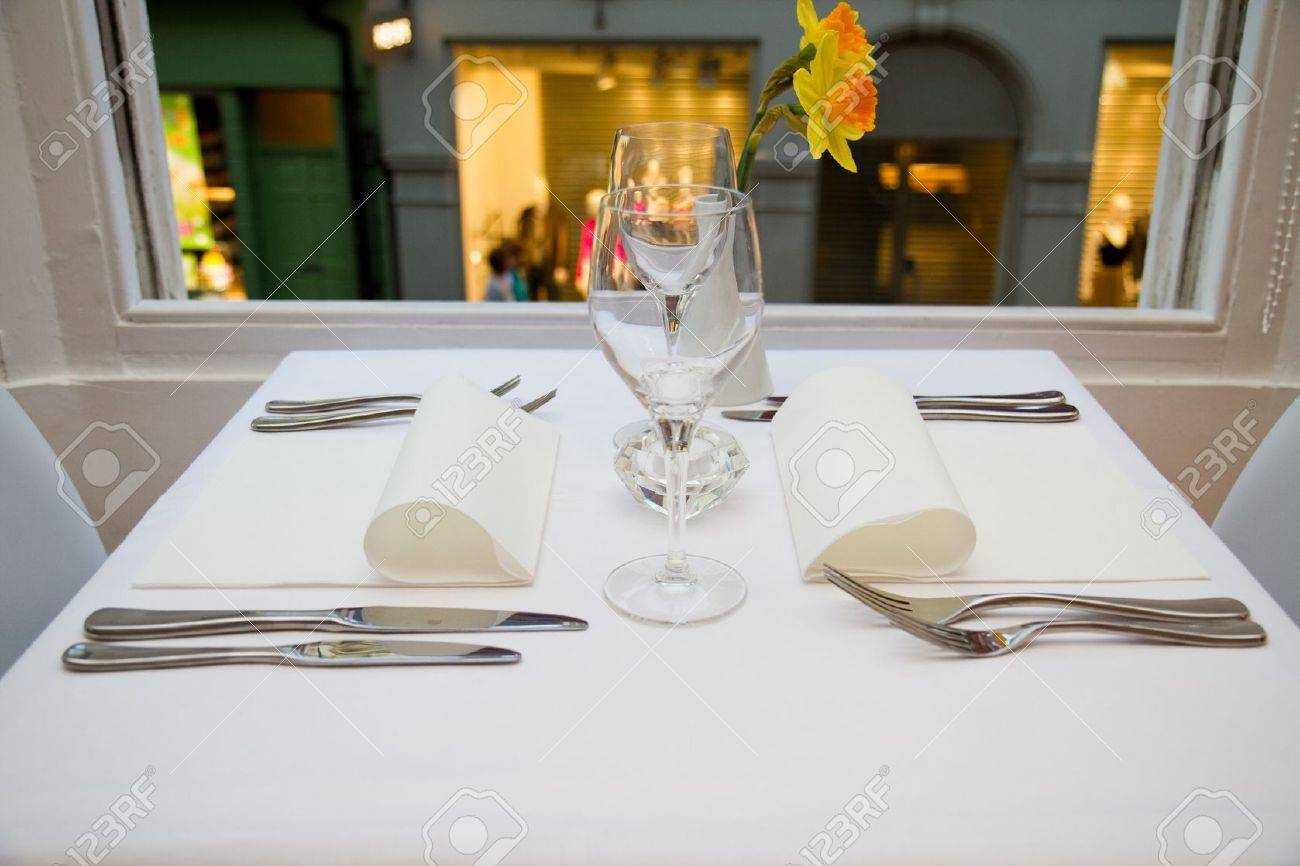 restaurant table setting for two people Stock Photo - 10415723 & Restaurant Table Setting For Two People Stock Photo Picture And ...