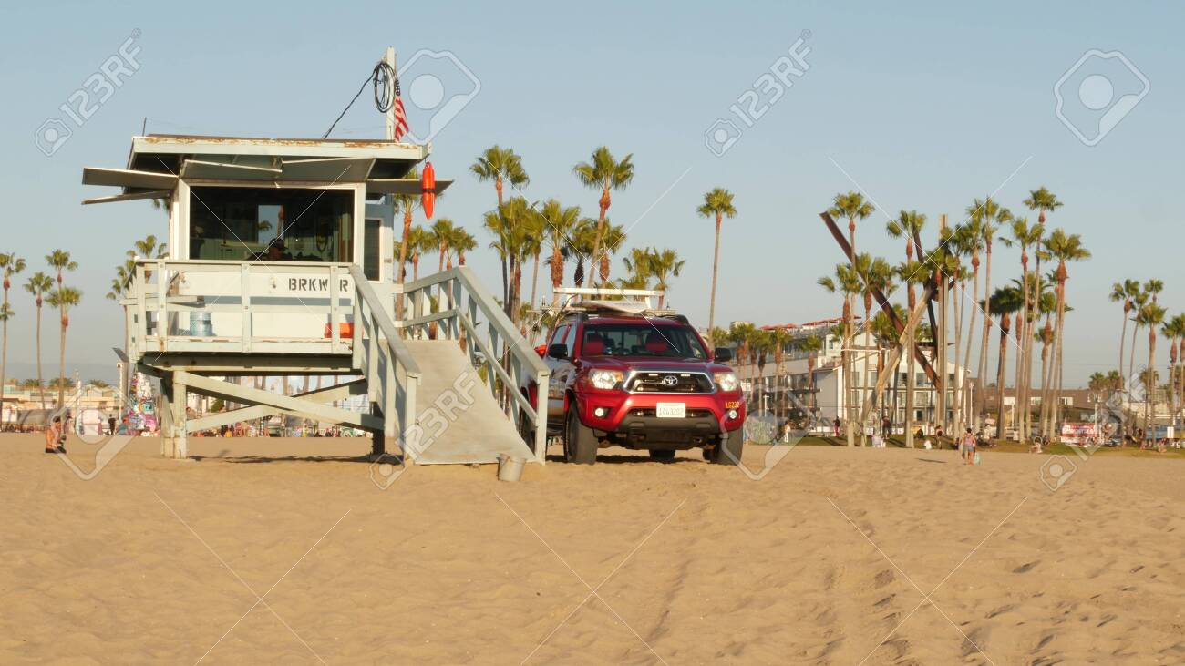 Los Angeles Ca Usa 16 Nov 2019 California Summertime Venice Stock Photo Picture And Royalty Free Image Image 152684832