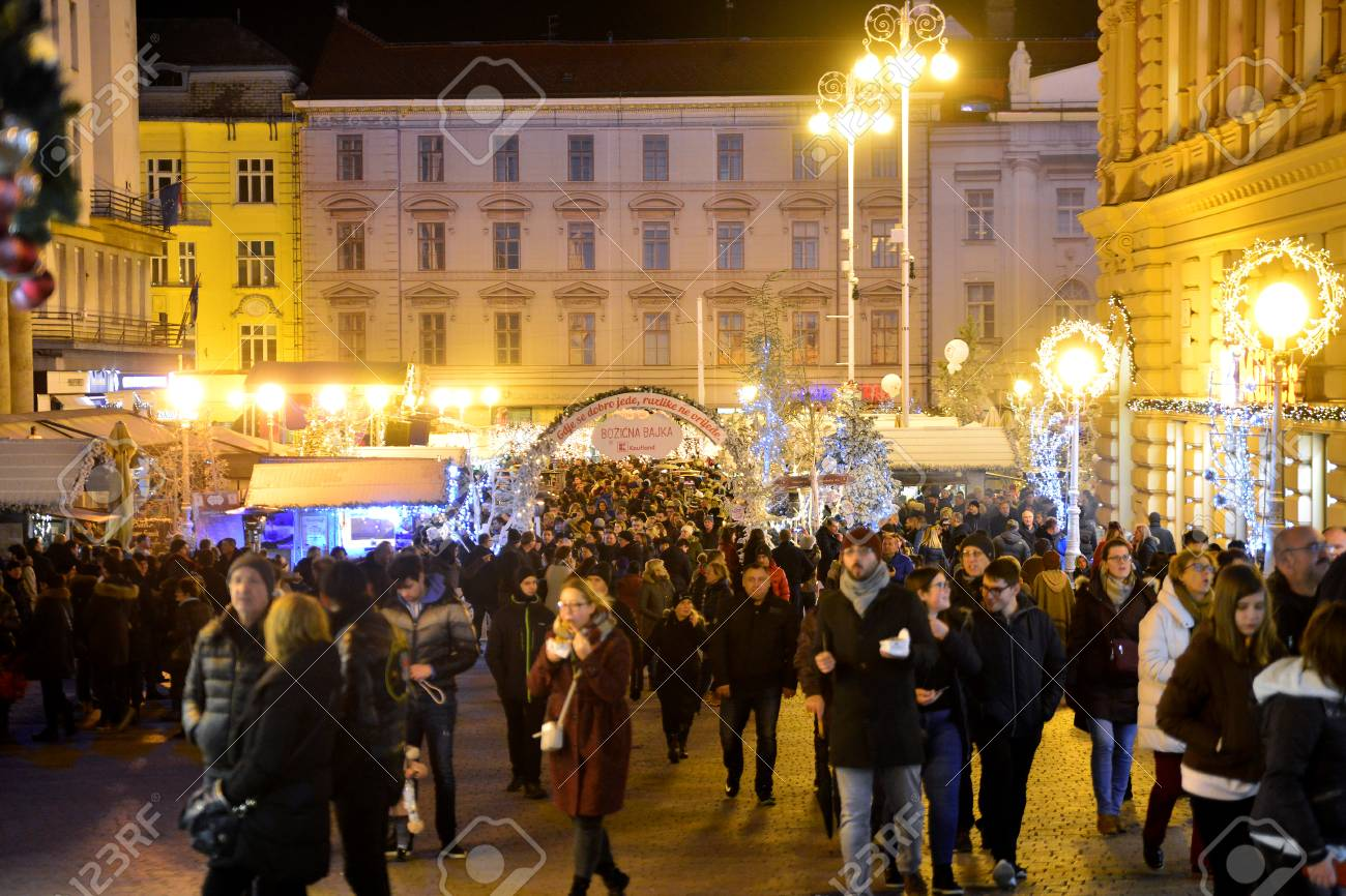 ZAGREB, CROATIA - DECEMBER 26., 2017: Christmas decorated town of Zagreb during advent and holidays in December. - 93041406