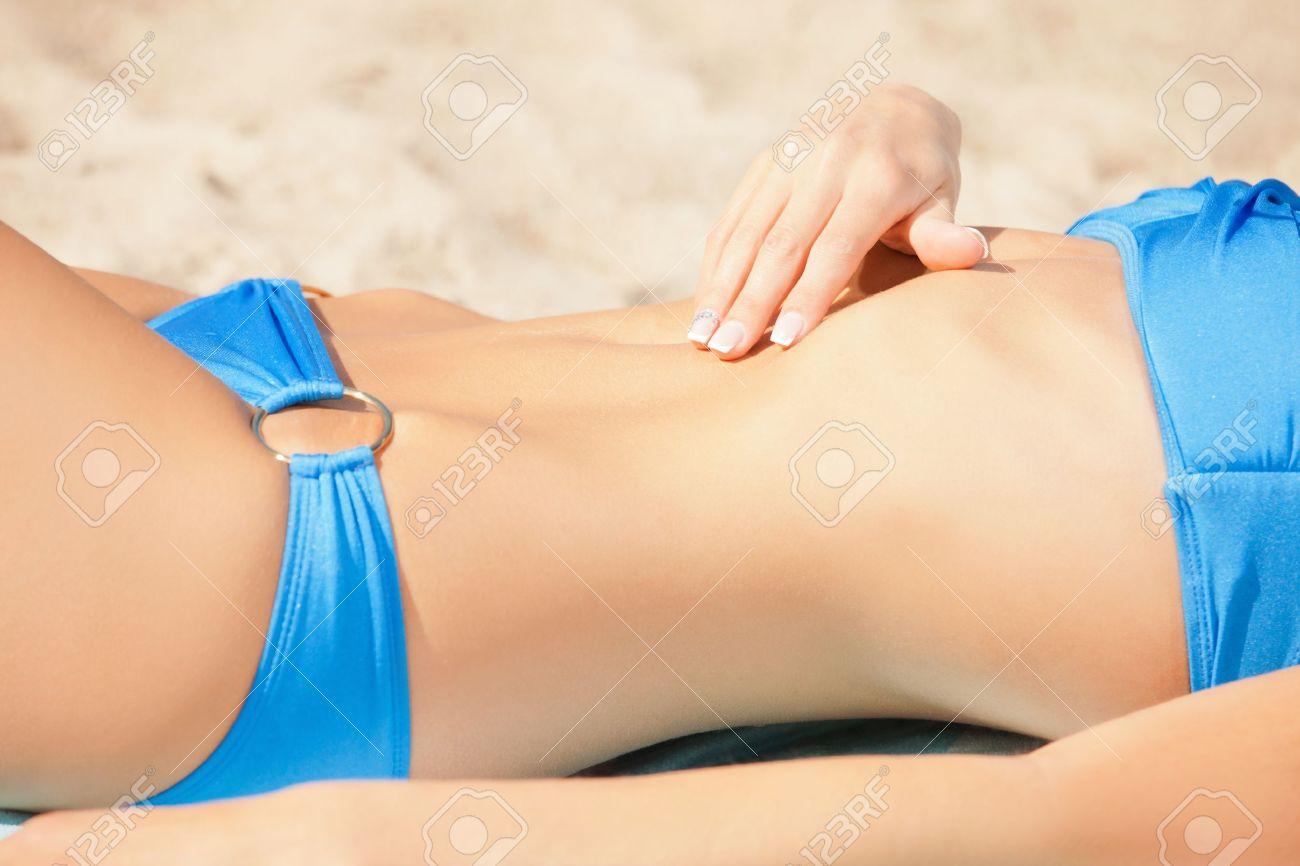 Dirty Porn Sluts Take Turns Using Dild