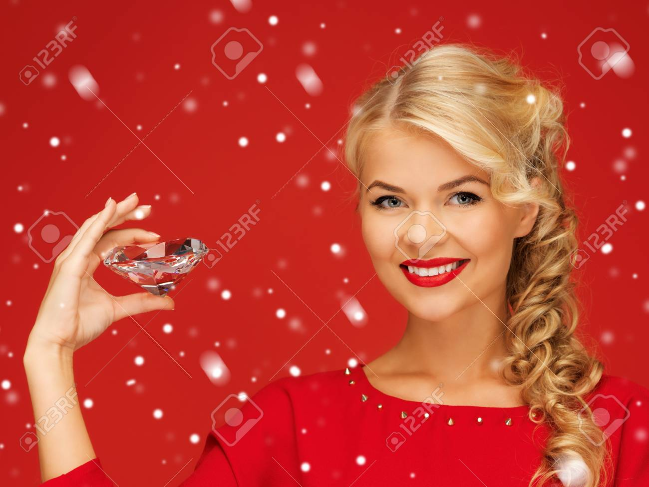 picture of lovely woman with big diamond Stock Photo - 16300312