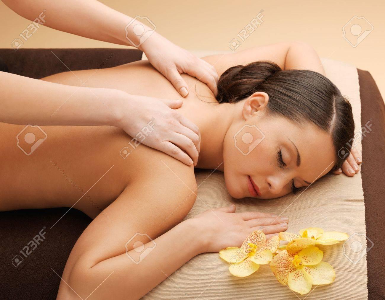 porno-roliki-molodih-massazh