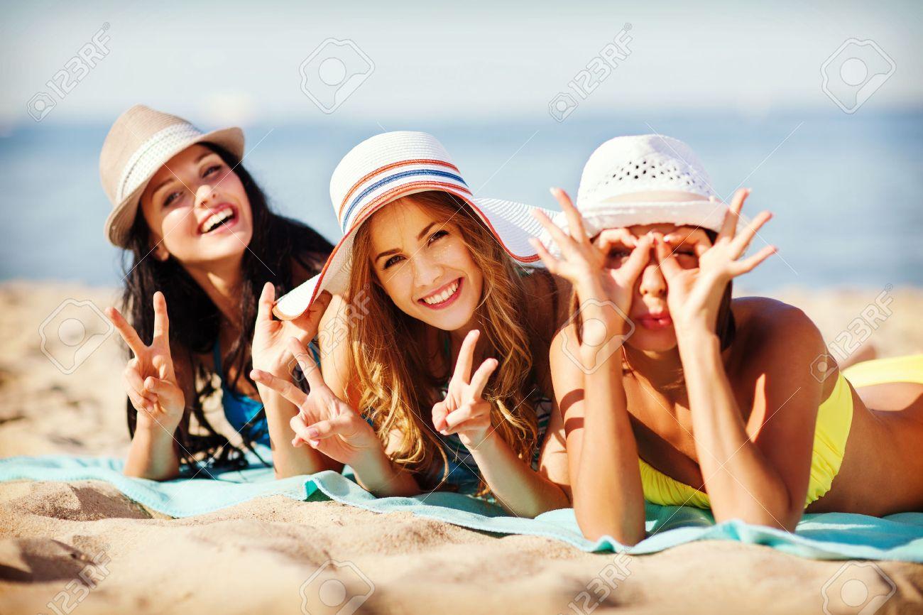 Фото девчонки на пляже 10 фотография