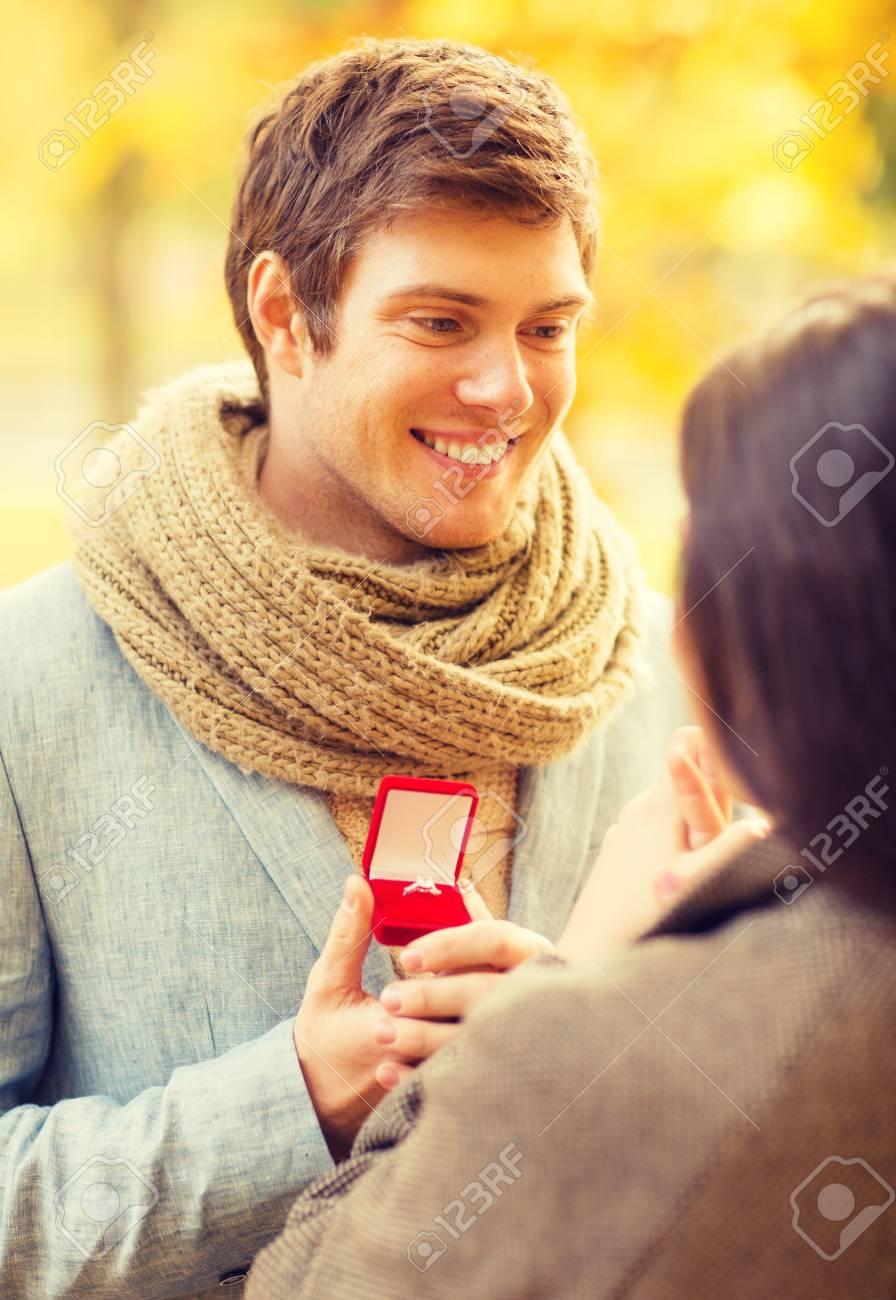 Rechtliche Definition von Dating-Verhältnis