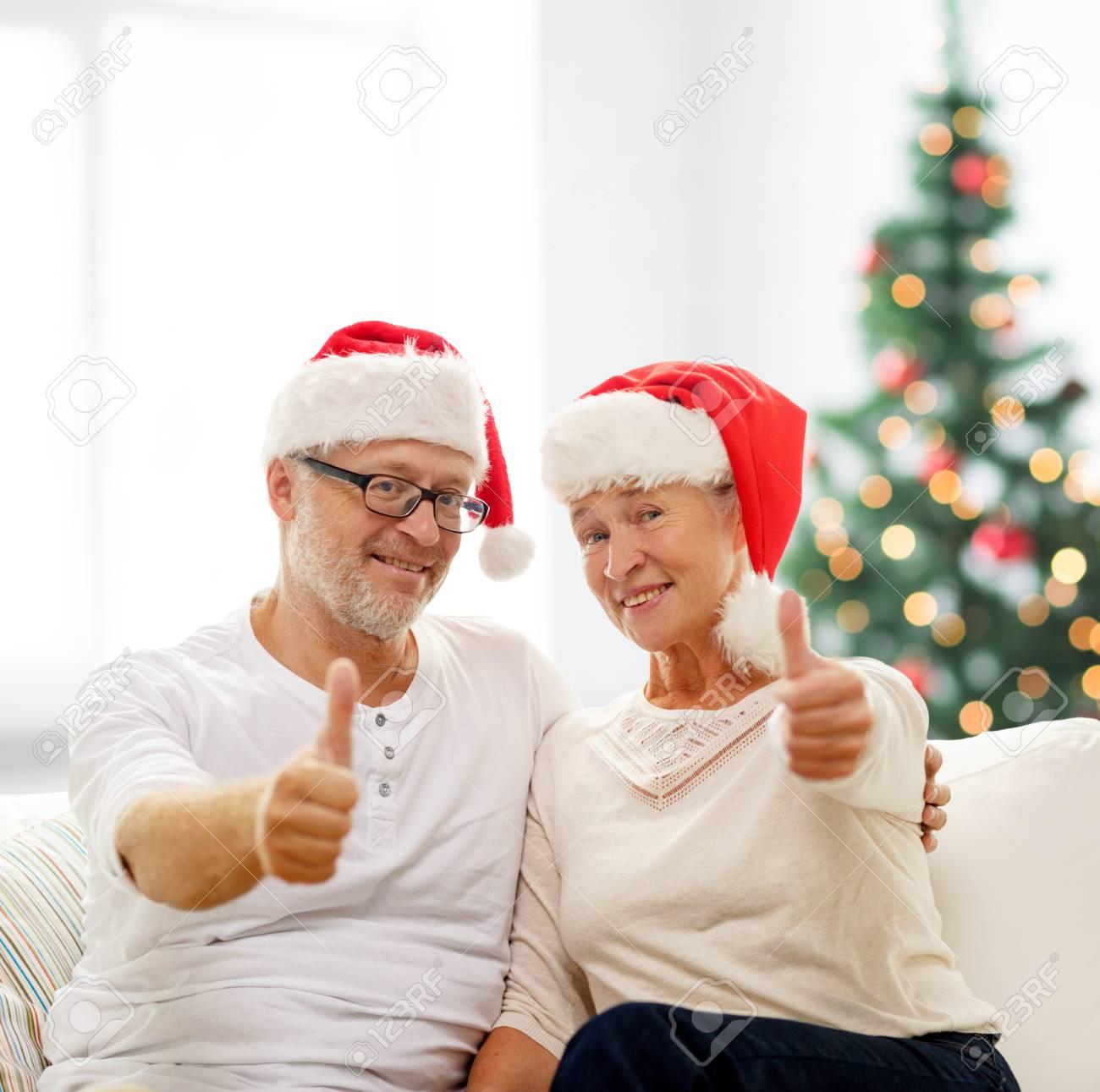 Immagini Stock - Famiglia, Vacanze, Natale, L\'età E Le Persone ...