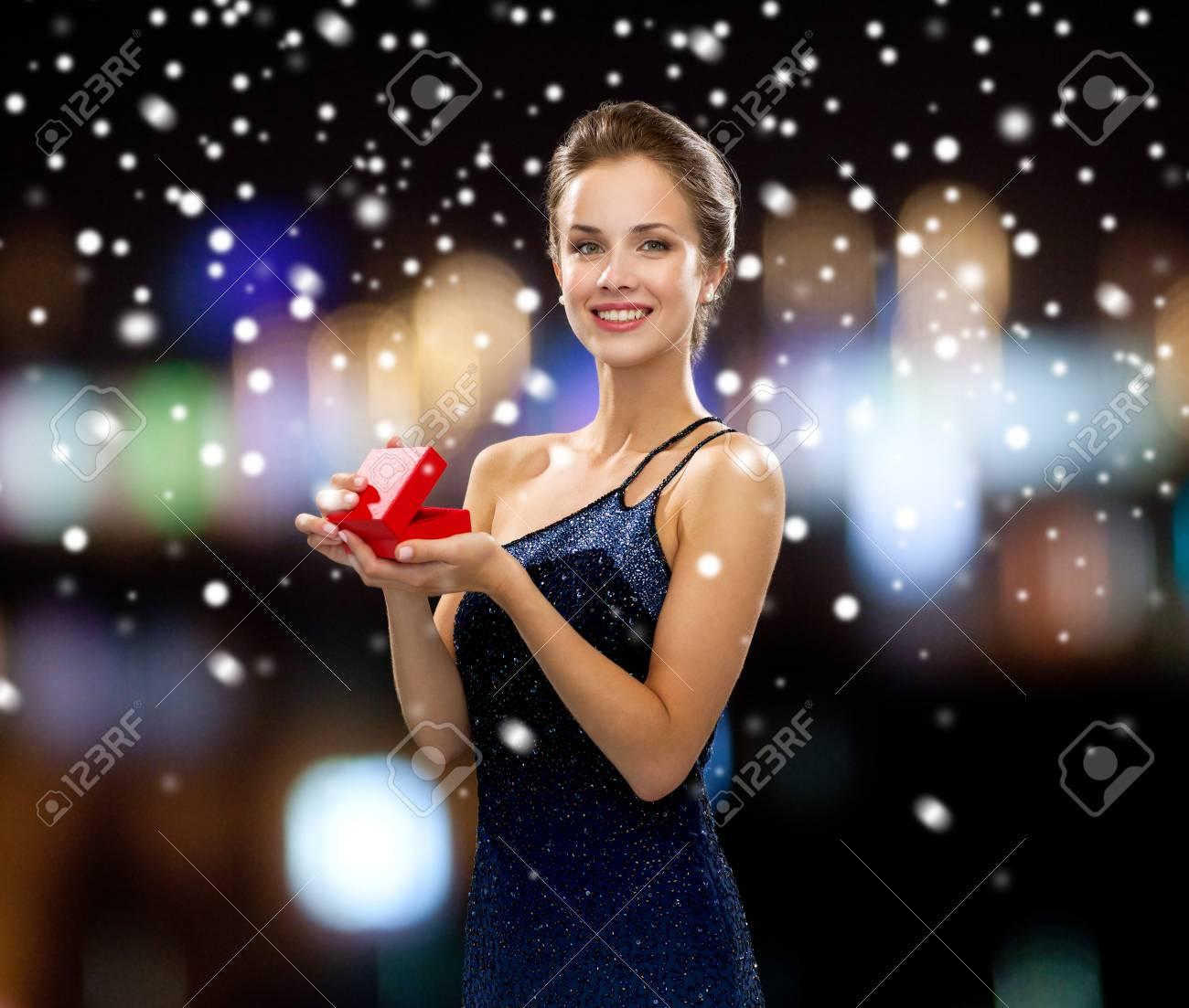 Geschenke Weihnachten Frau.Stock Photo