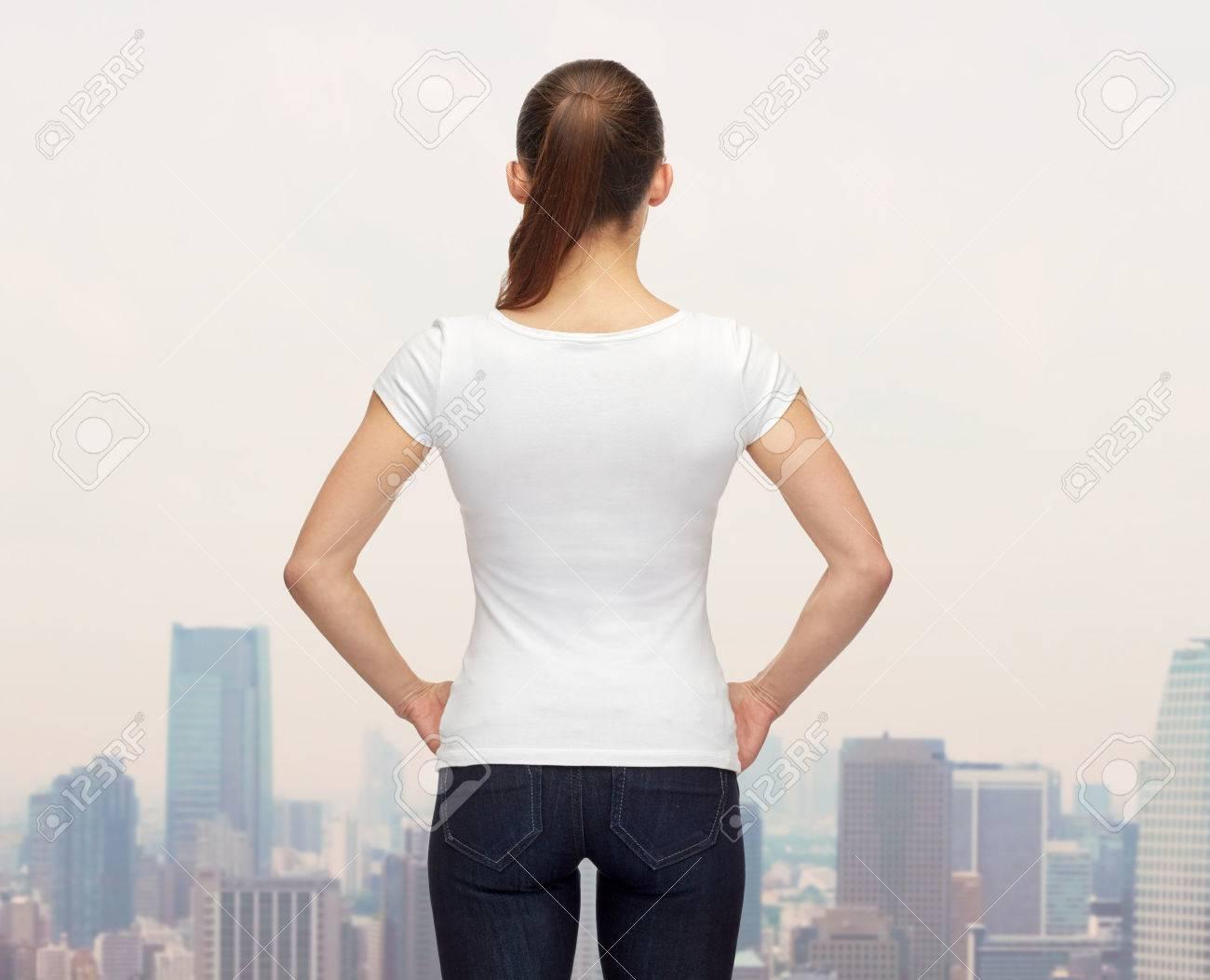 Shirt design uber - T Shirt Design Werbung Und Personen Konzept Eine Frau Im Leeren Wei En