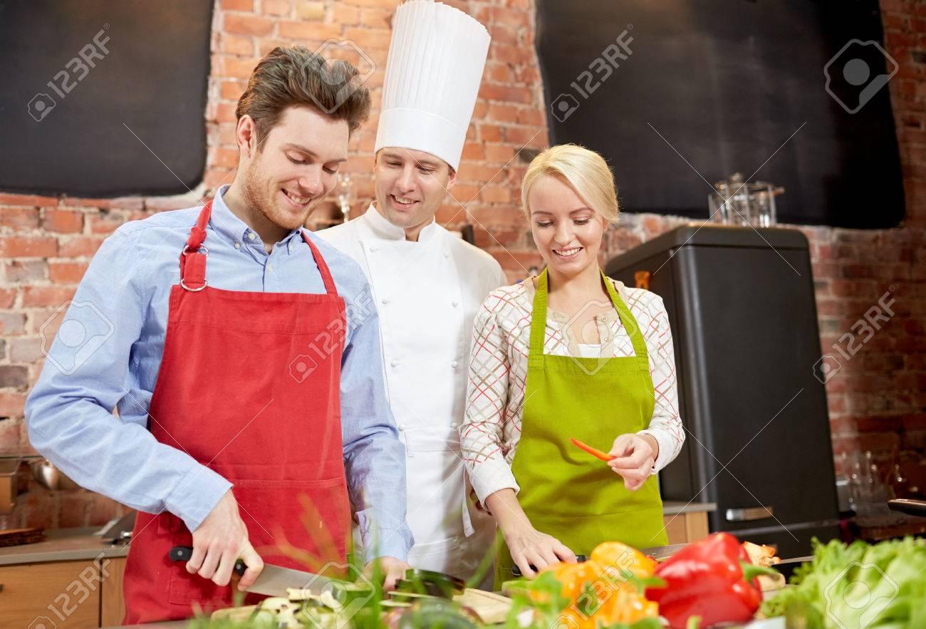 cours de cuisine, culinaire, nourriture et les gens notion ... - Cours De Cuisine En Couple