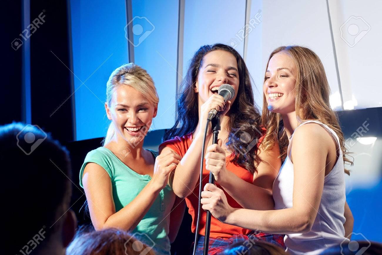tres mujeres solteras