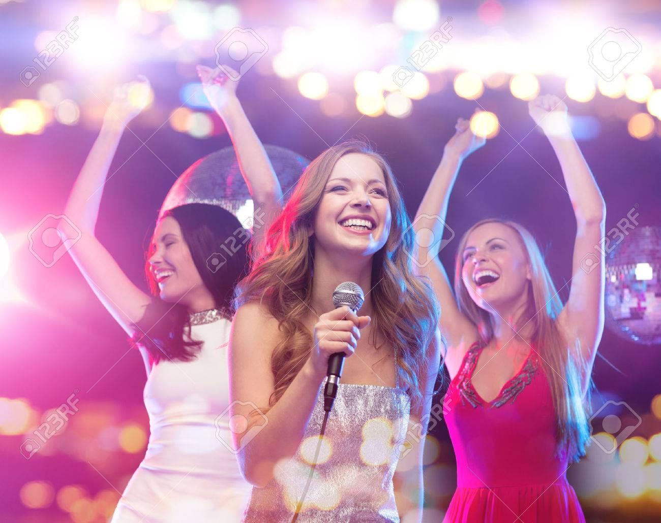 Increíble Vestidos Para Una Fiesta De Club Nocturno Ideas Ornamento ...