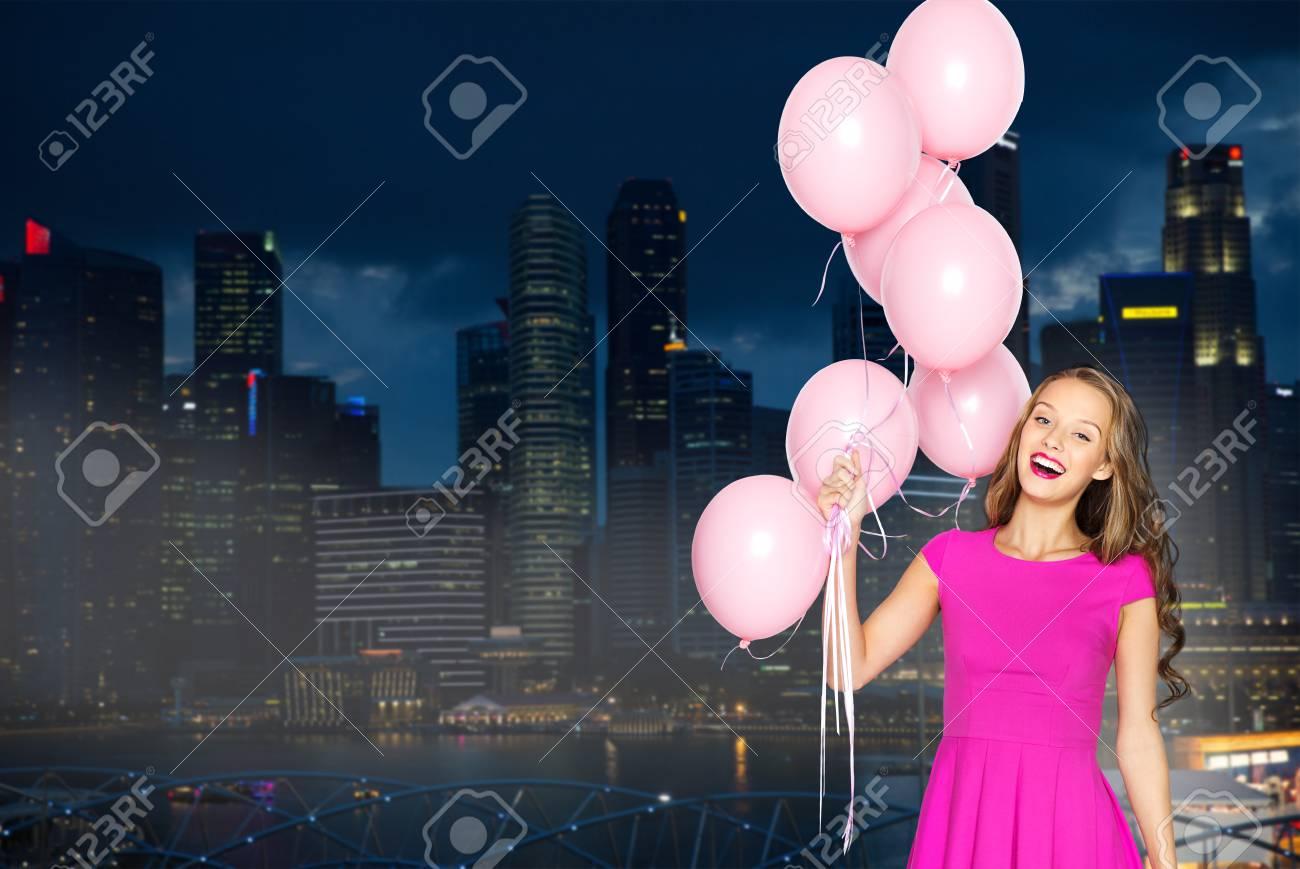 Leute, Feiertage, Partei, Nachtleben Und Modekonzept - Glückliche ...