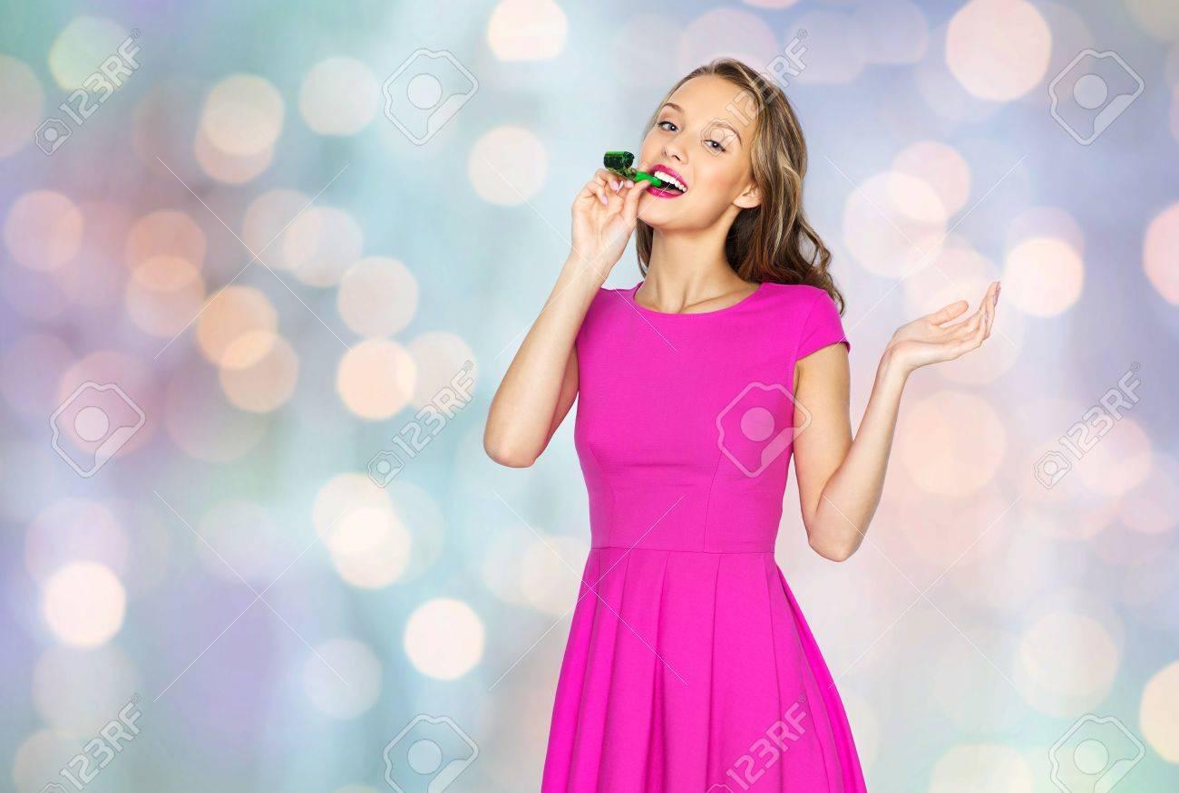 Gemütlich Rosa Kleid Partei Bilder - Brautkleider Ideen - cashingy.info