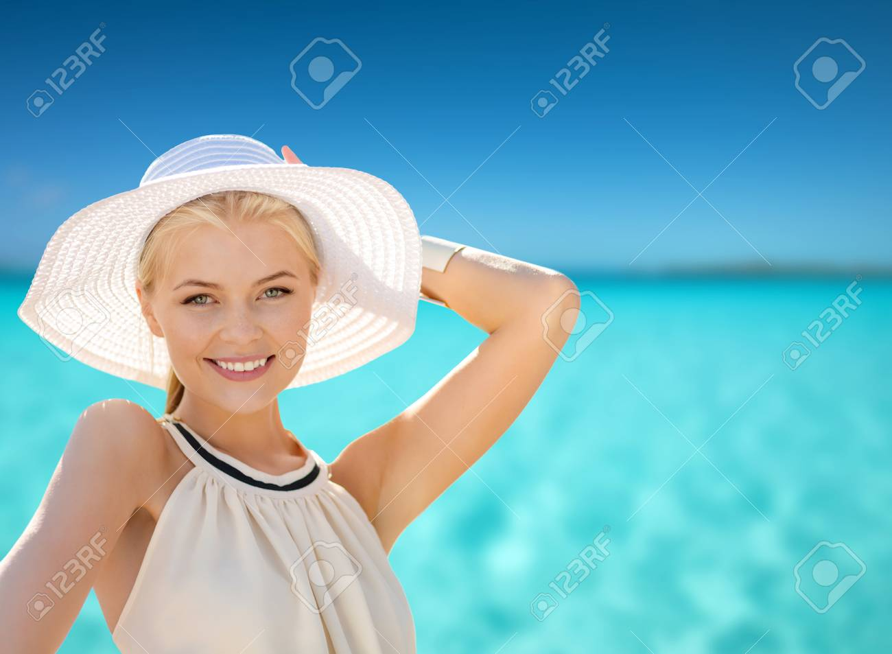 Fashion Happiness And Lifestyle Concept Beautiful Woman In