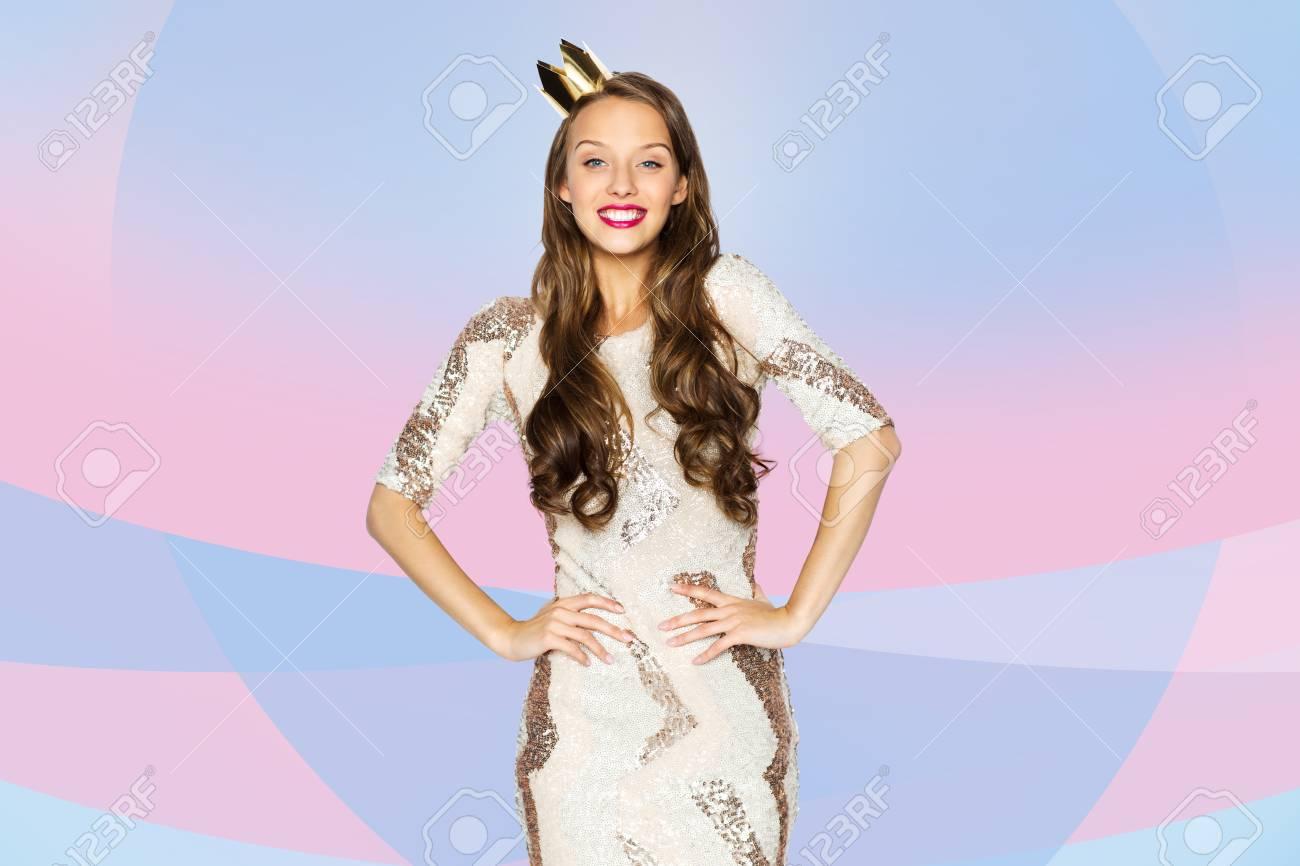 La Gente, Días De Fiesta Y Celebración Concepto - Mujer Joven Feliz ...