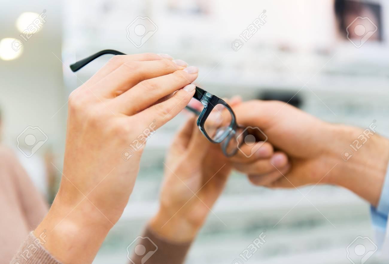 Gesundheitswesen, Menschen, Sehkraft Und Vision-Konzept ...