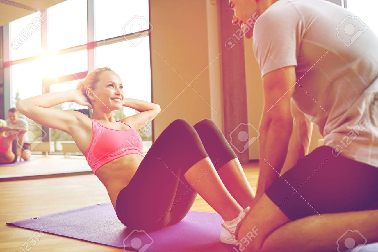Fitness Sport Formation Salle De Gym Et Le Concept De Mode De
