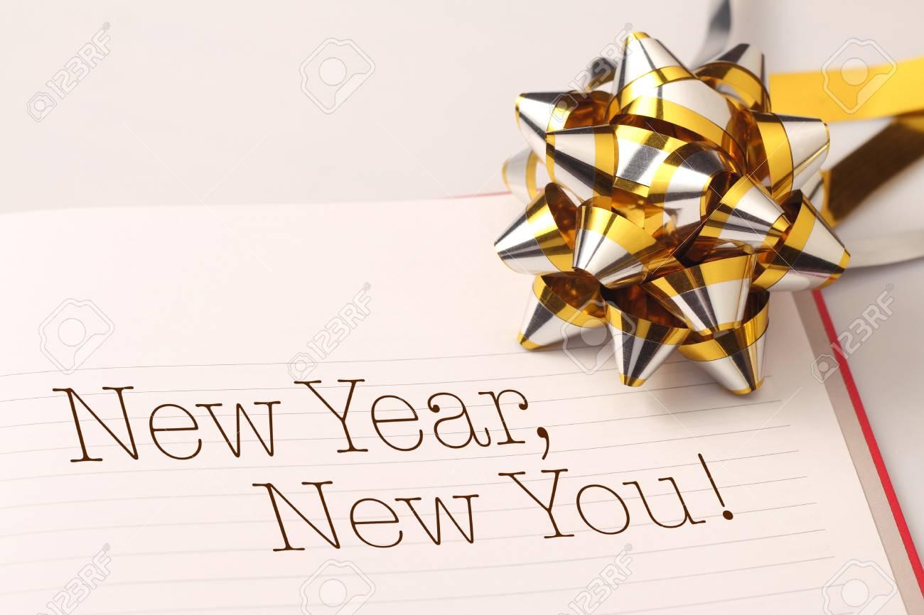 Grüße Des Neuen Jahres Mit Goldfarbe Dekorationen. Neujahr Ist Der ...