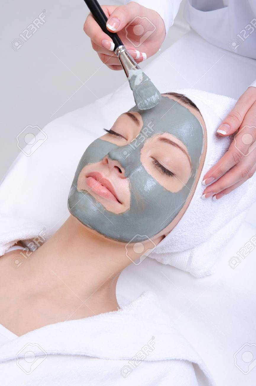 young woman using cosmetic procedure in the beauty salon Stock Photo - 4834732