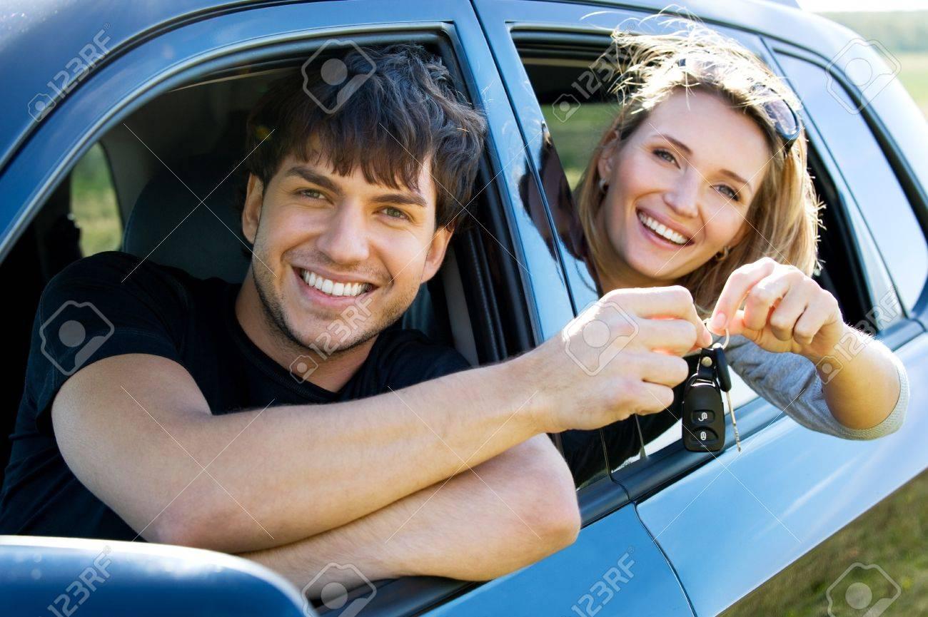 Фото пара в машине 5 фотография