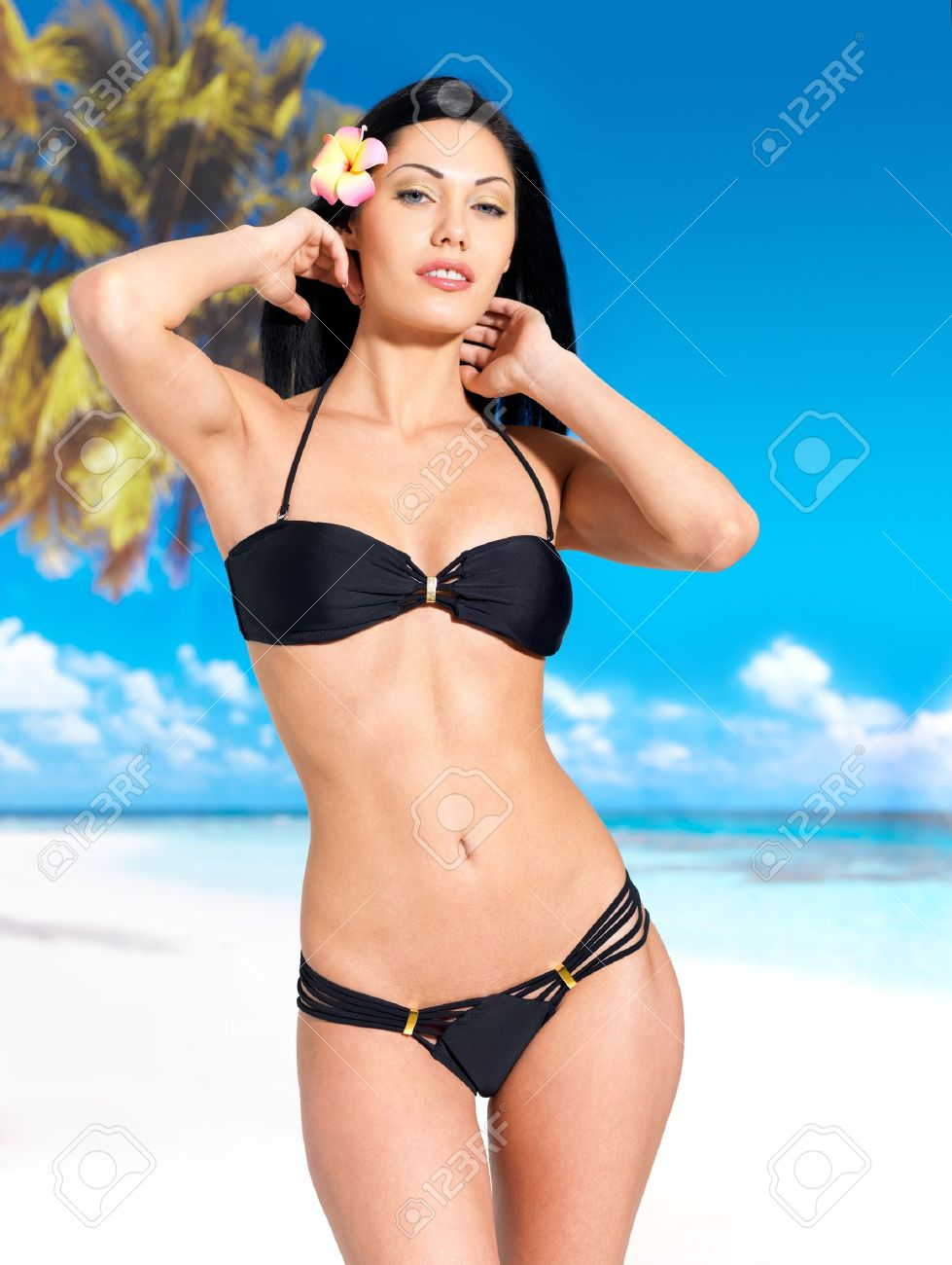 chernie-bikini
