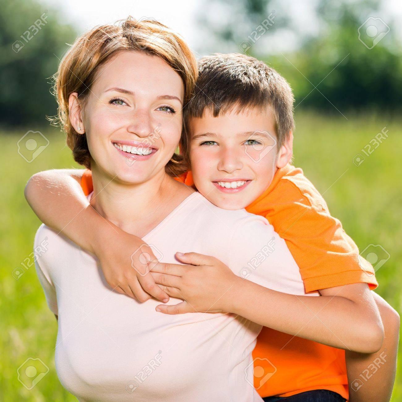 Смотреть мама при папе с сыном 16 фотография
