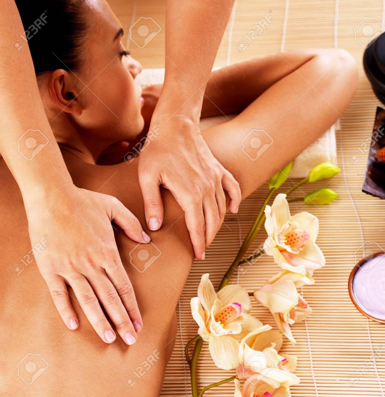 eroticheskiy-massazh-v-pechatnikah