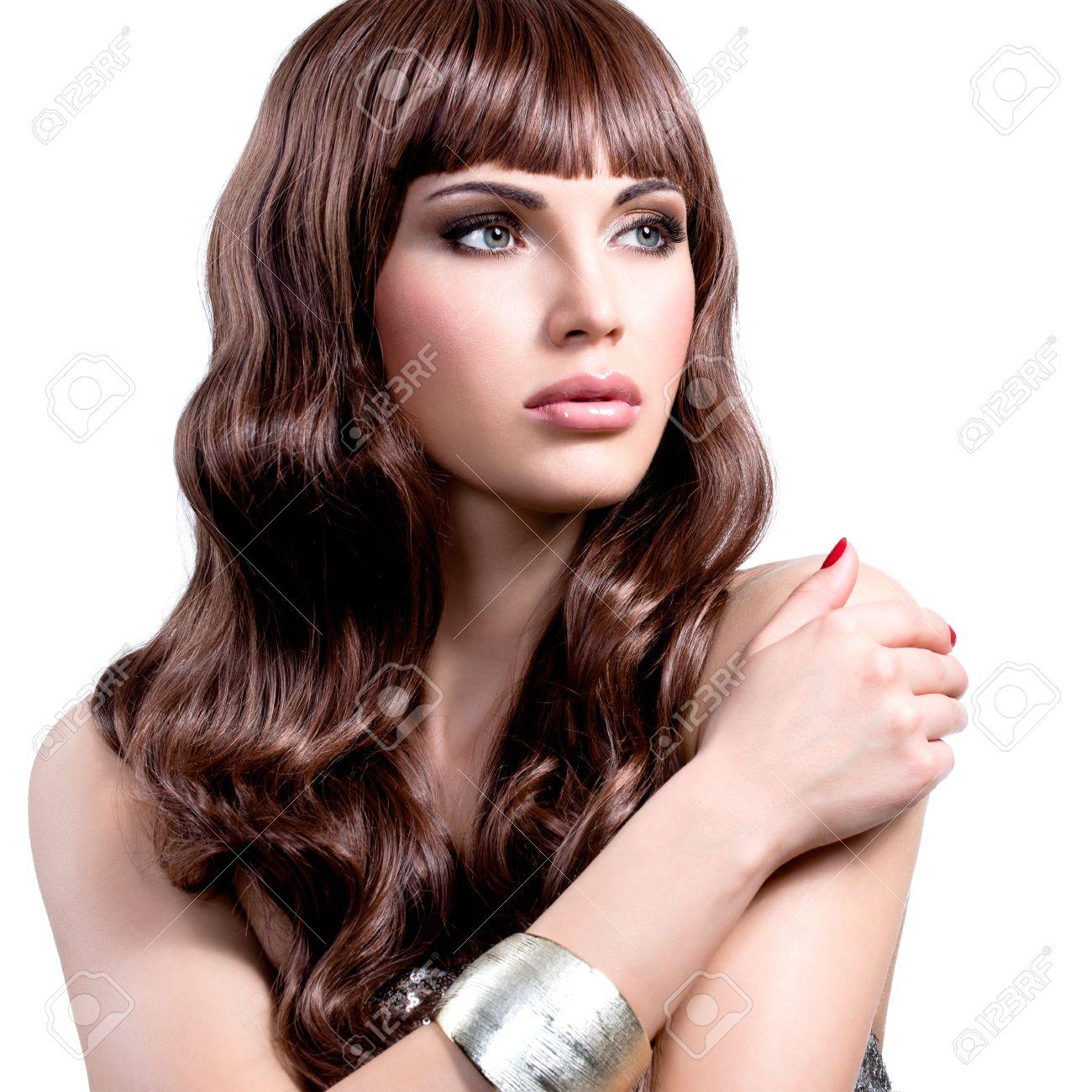 Portrat Einer Schonen Jungen Frau Mit Langen Braunen Haaren