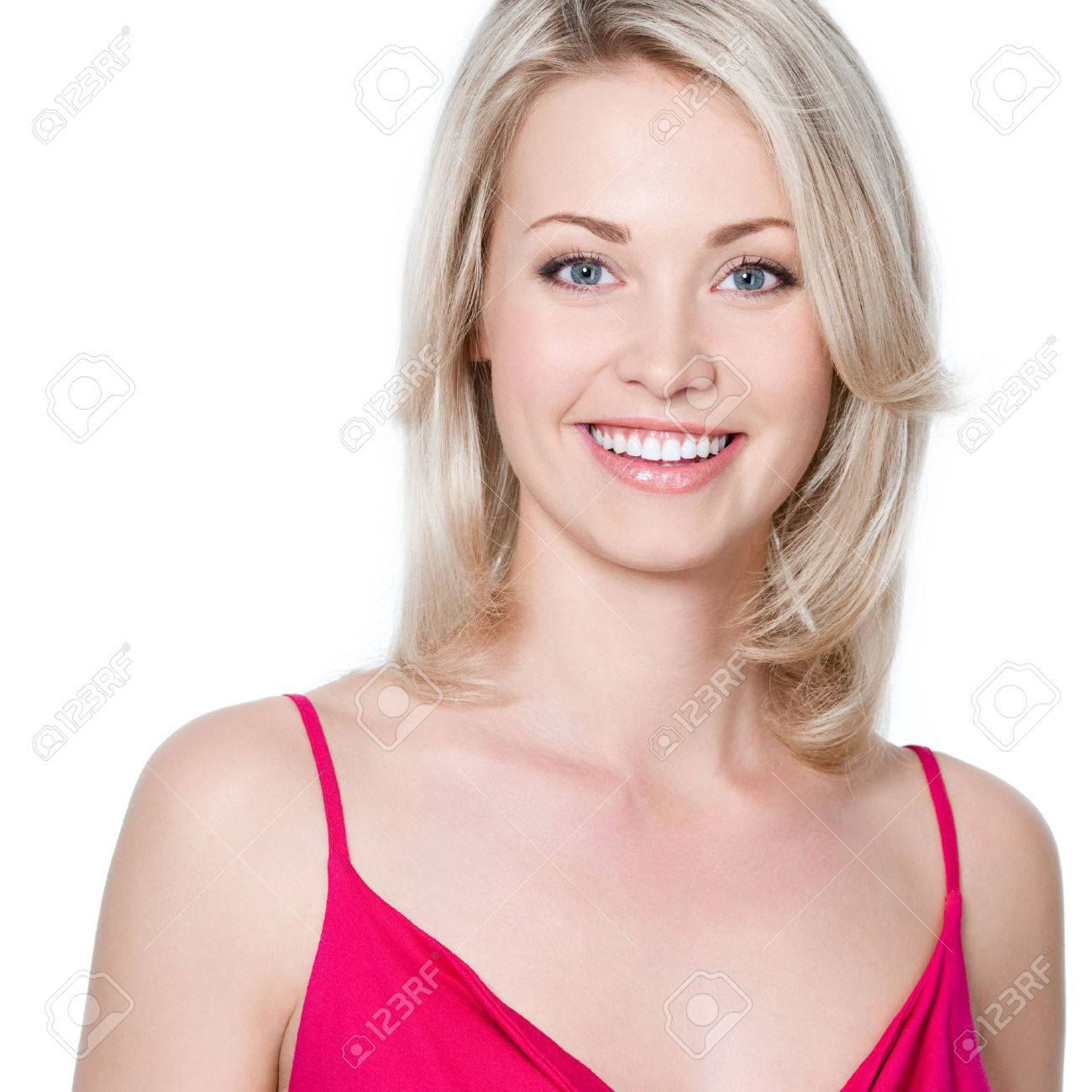 Close-up portrait of young beautiful woman with attractive toothy smile Banque d'images - 53558558