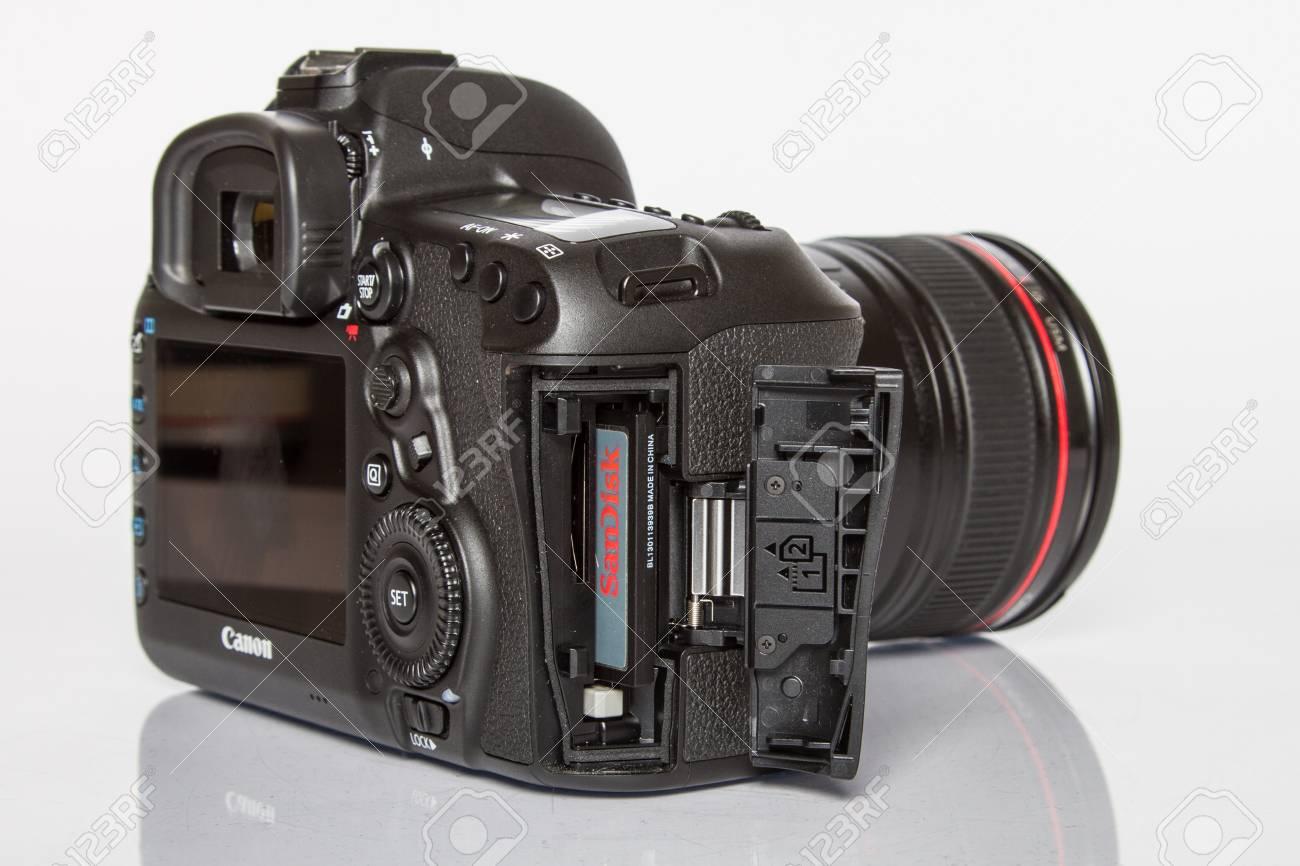 Canon 5D Mark IV Camera, 30.4MP CMOS Full-frame Sensor With Dual ...
