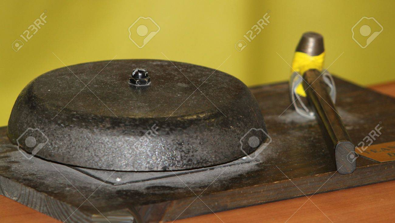 Old wrestling ring bell Stock Photo - 10953623