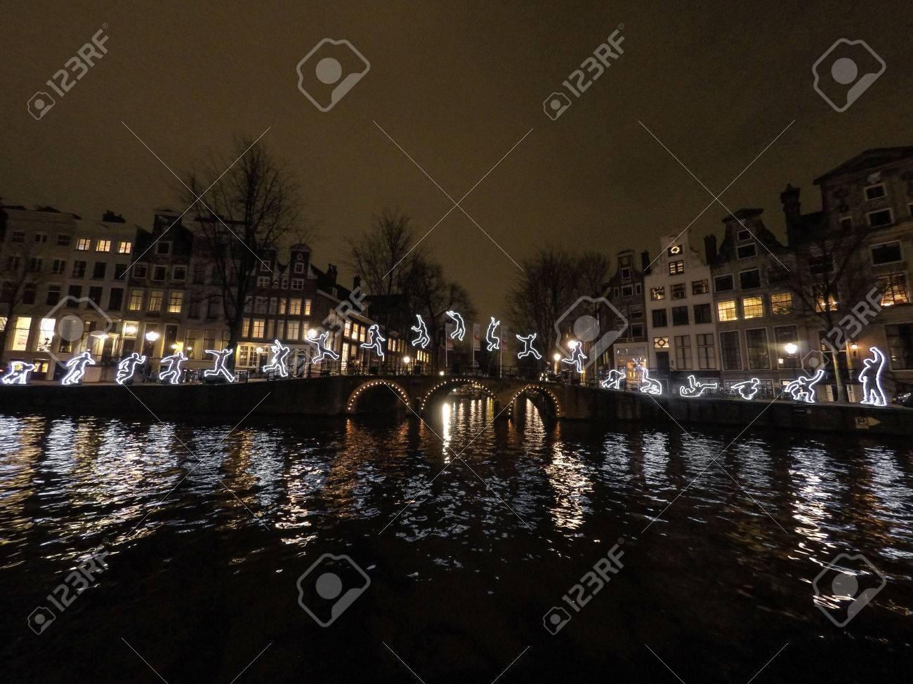 Licht Tour Amsterdam : Licht festival amsterdam kanalbrücke lizenzfreie fotos bilder und