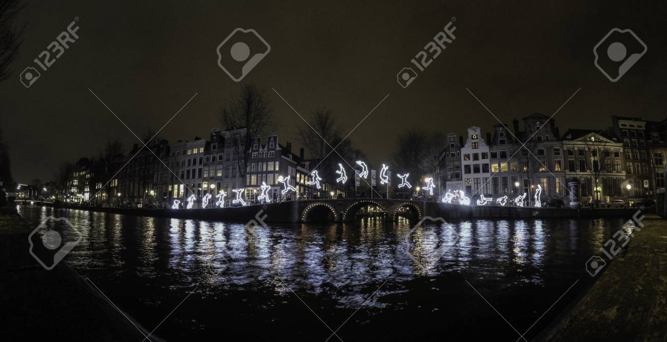 Licht Tour Amsterdam : Führen sie darüber hinaus amsterdam licht festival lizenzfreie