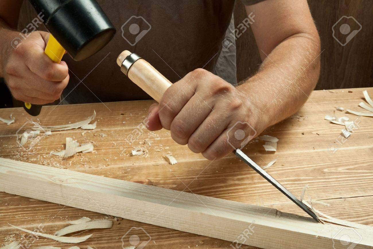 How to work a chisel on wood 29