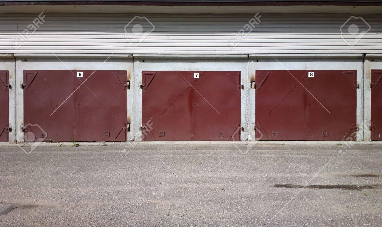 Garage doors Stock Photo - 14517625