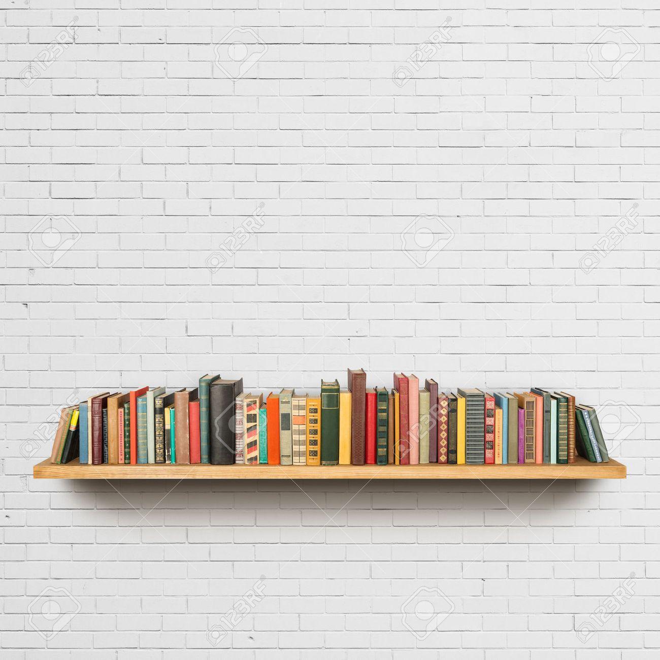 Old books on the shelf Stock Photo - 38641506