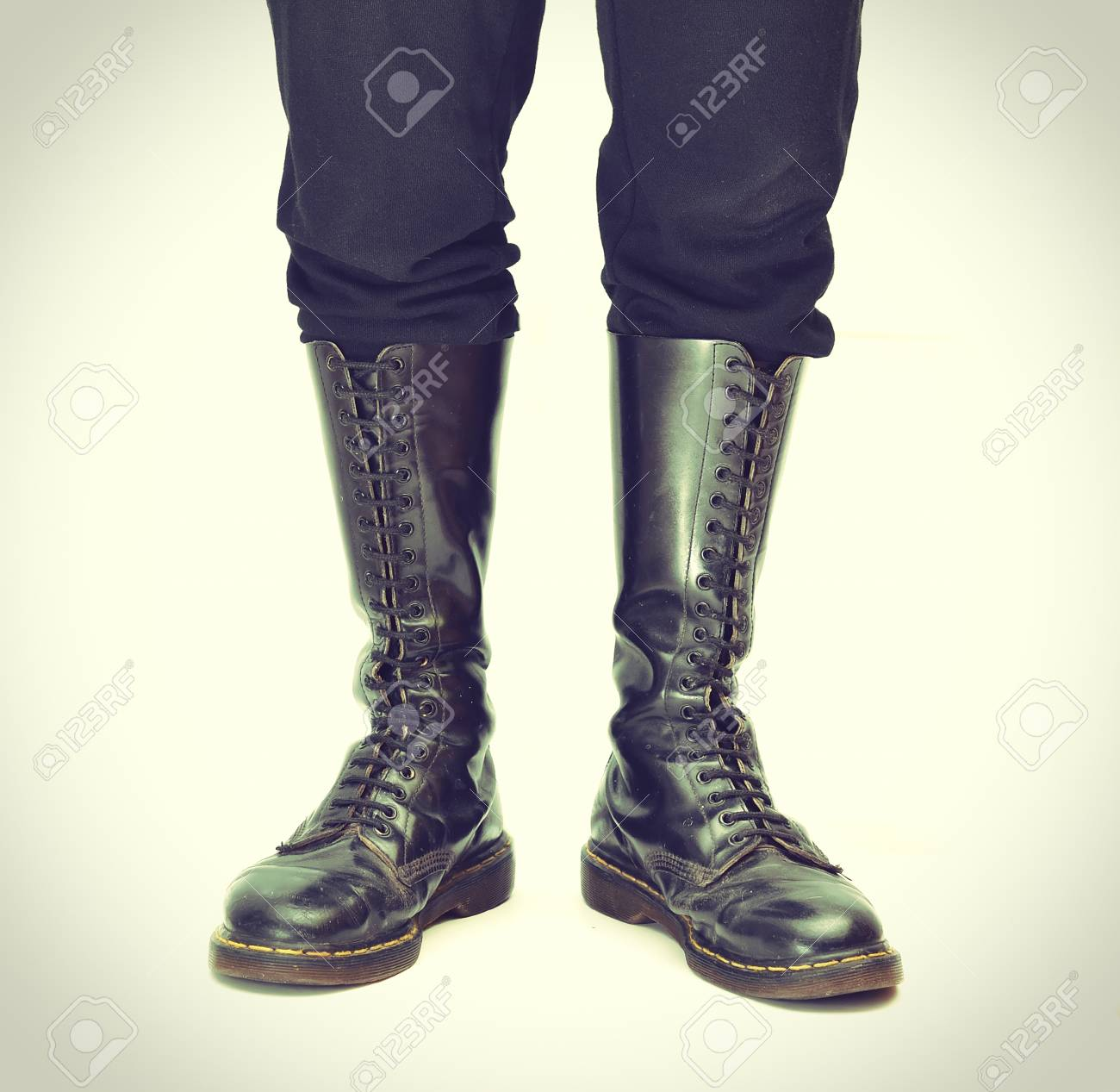 552169cec6a A pair of old and rugged men's/unisex knee-high black 20-eyelet..