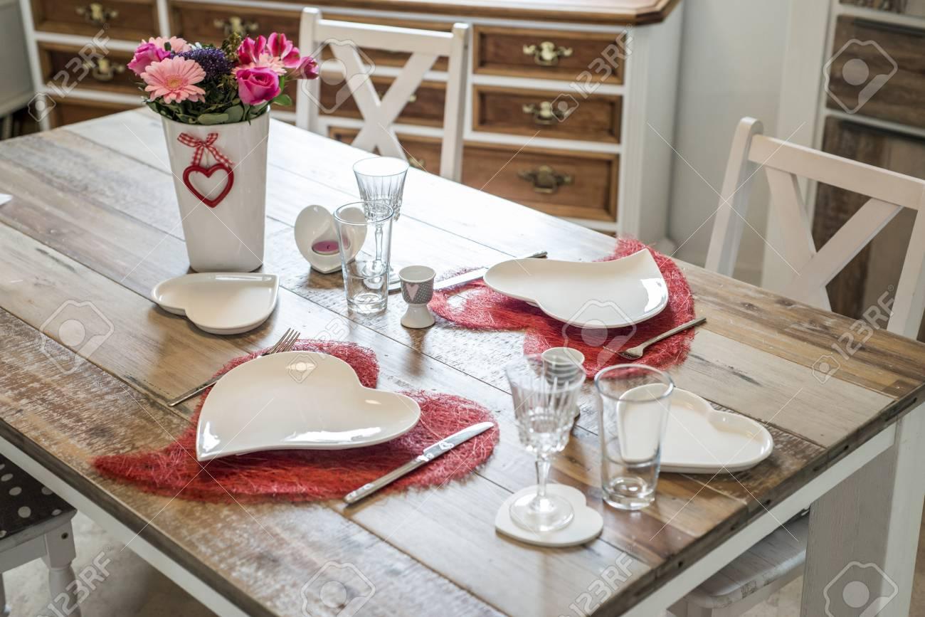 Valentinstag Abendessen Einstellung Romantische Liebe Für Zwei ...