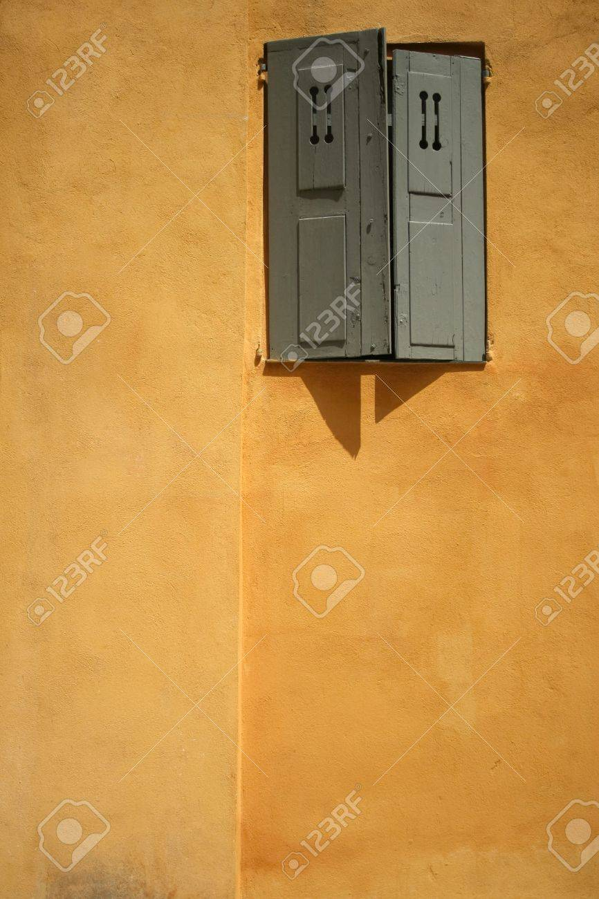 detail of old walls in historic grasse, south of france Stock Photo - 6581305