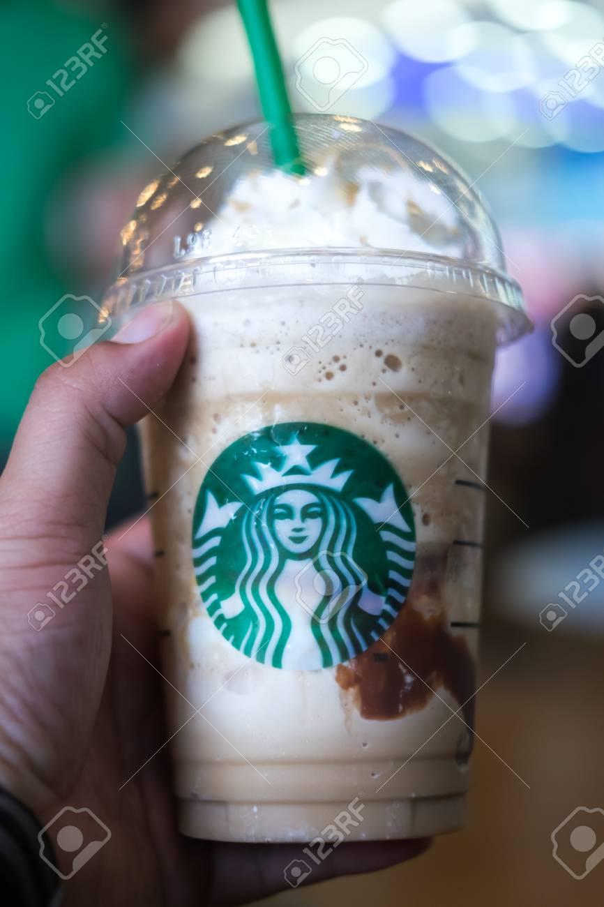 Samutprakarn, Thailand - 6. Mai 2016: Glas Starbuck Kaffee ...