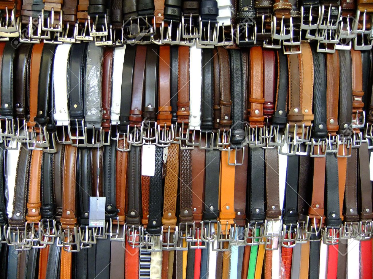Display of leather belts - 14640399