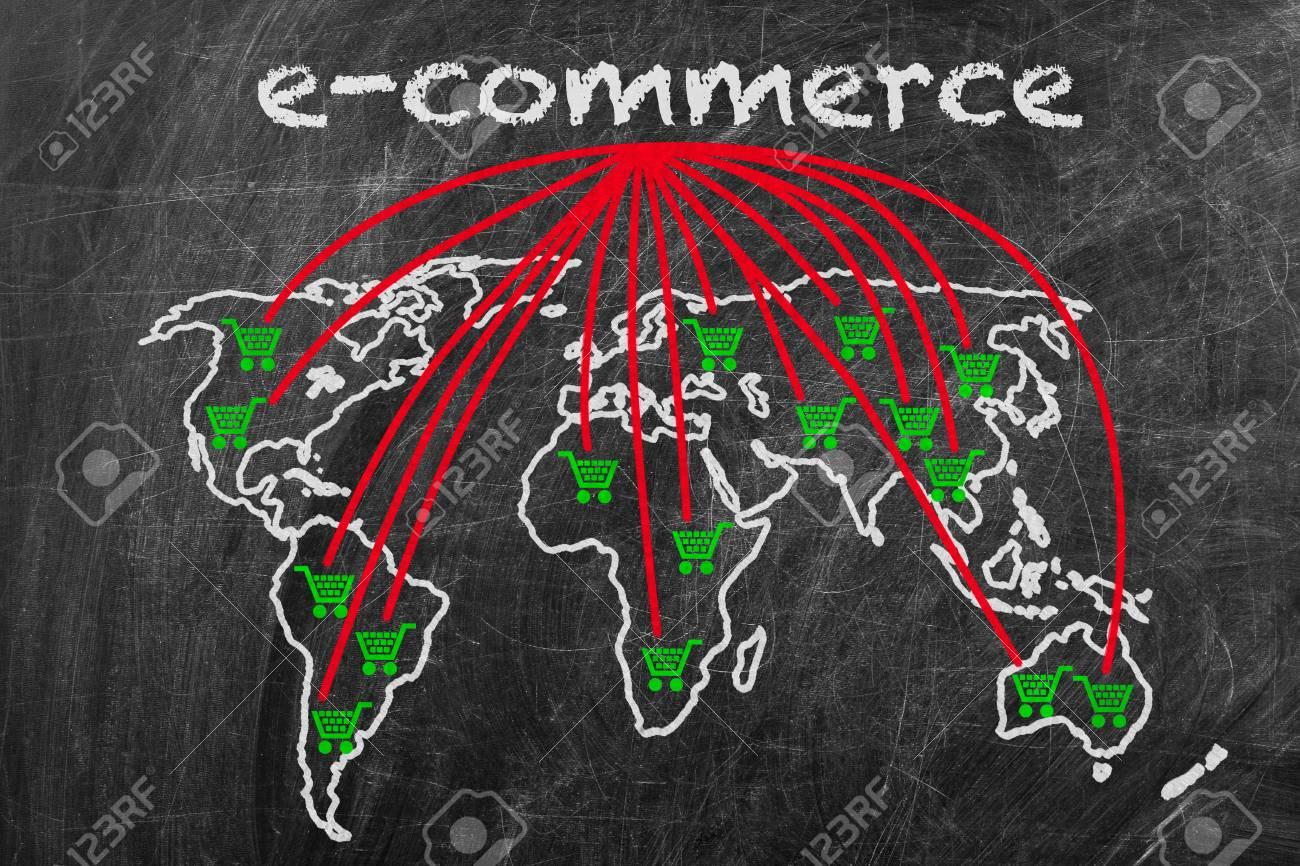 E Commerce écrit Sur Un Tableau Noir Avec Signe La Carte Du Monde