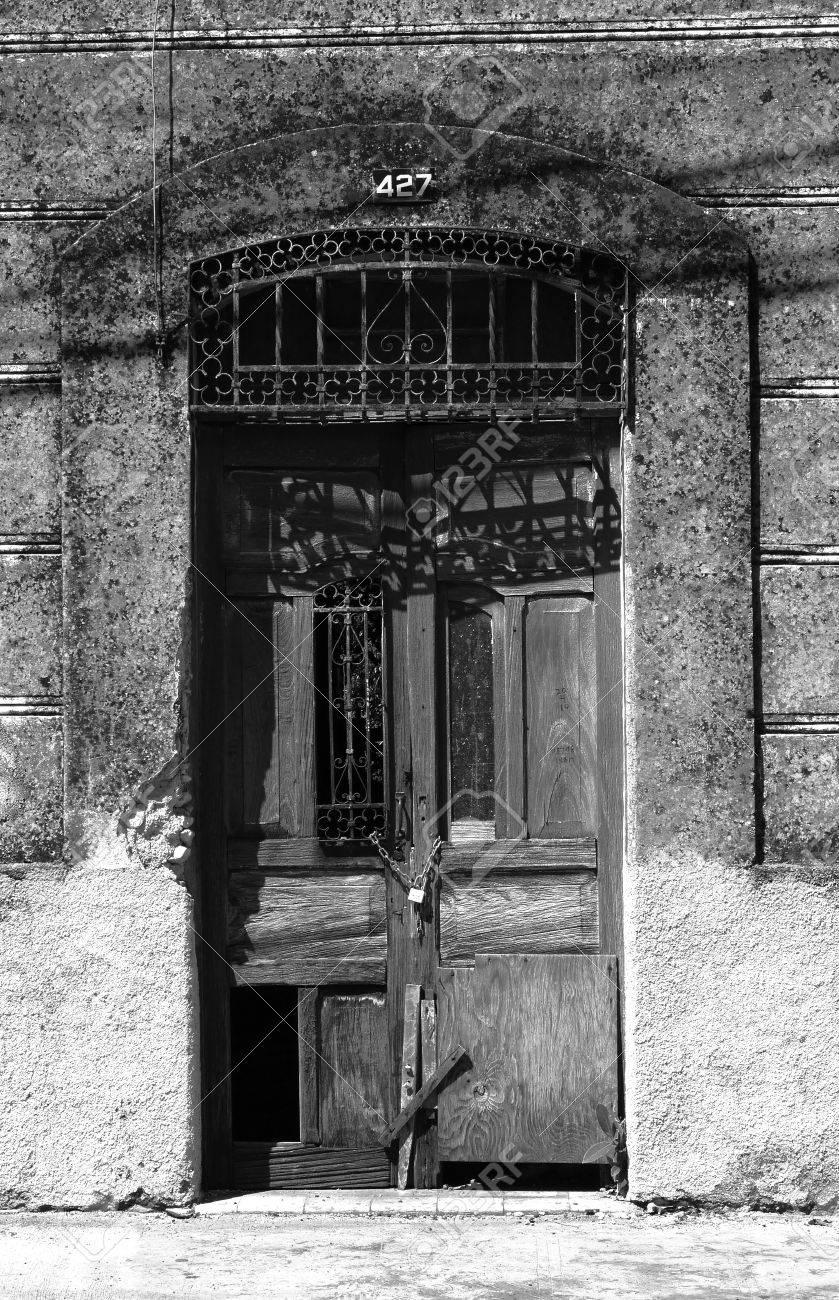 Entrée Noir Et Blanc portes d'entrée maisons architecture mexico noir et blanc