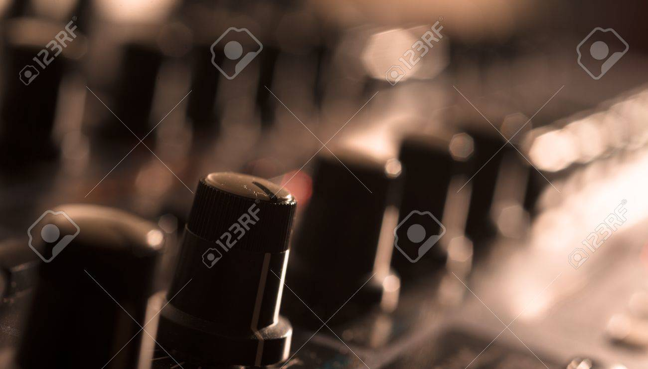 Close up of Vintage Synth Stock Photo - 20365077