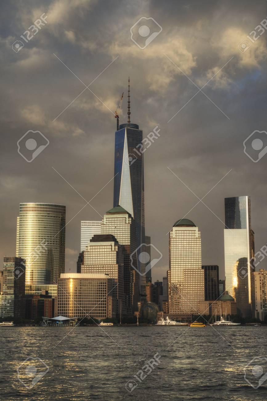 Manhattan Skyline in NYC Stock Photo - 20850055