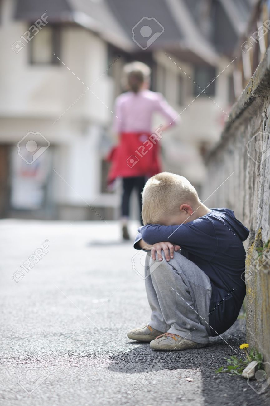 sad and unhappy alone child cry and have emotion problem on street Stock Photo - 8310979