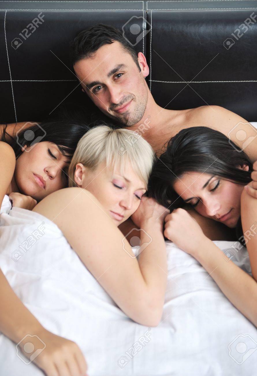 Картинки спящих девушек фото