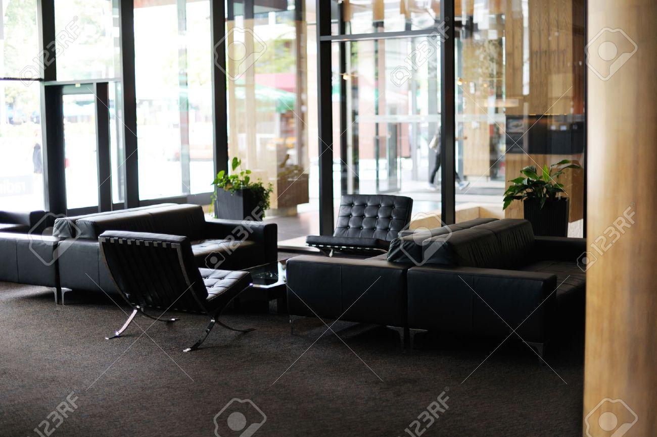 Hotel De Lujo, Vestíbulo Interior Con Muebles Modernos Fotos ...